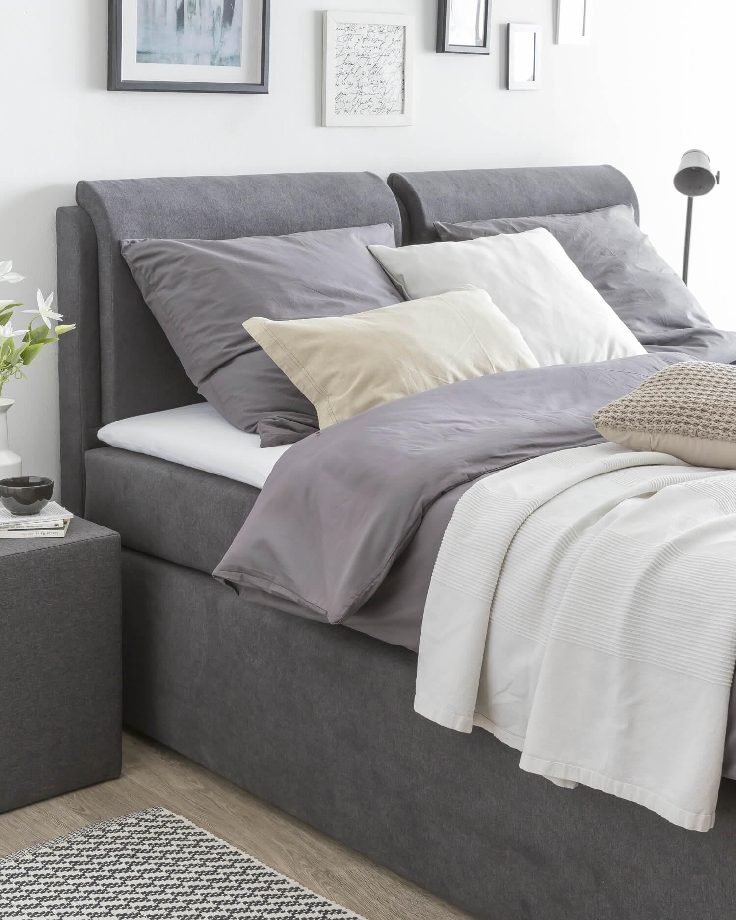 boxspringbett vs wasserbett zwei schlafsysteme im vergleich. Black Bedroom Furniture Sets. Home Design Ideas